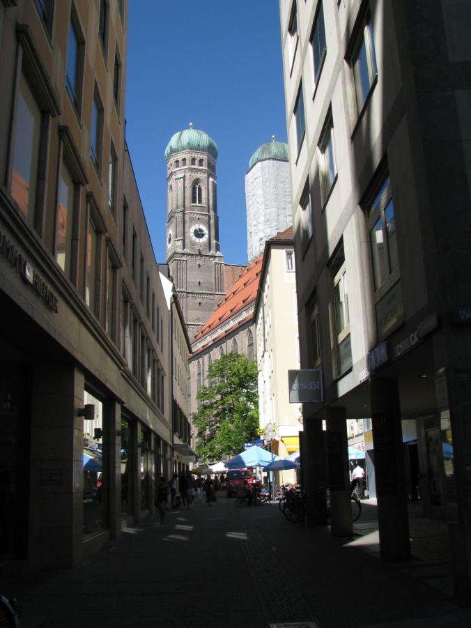 Munchen - marienplatz church