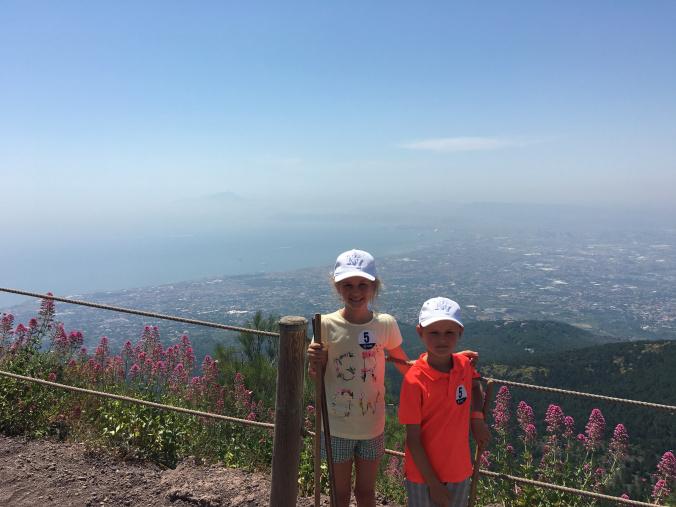 Napoli - vesuvio golf view