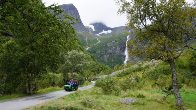 Norvegia - briksdal glacier car