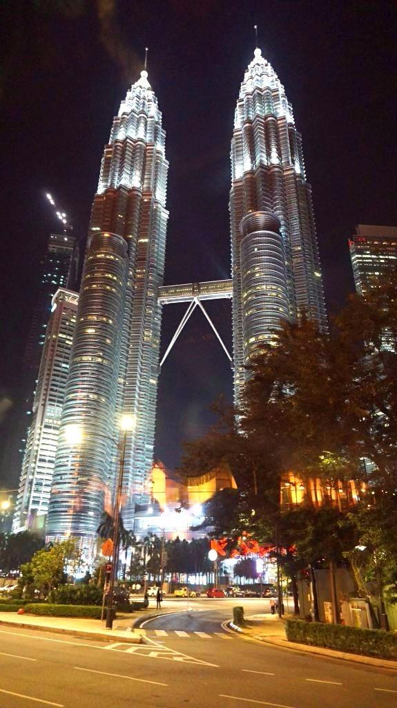 Kuala Lumpur - petronas towers1