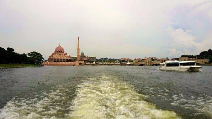 Malaezia - Putrajaya cruise view1