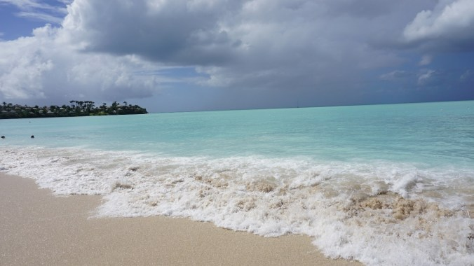 Antigua si Barbuda - valley church beach6