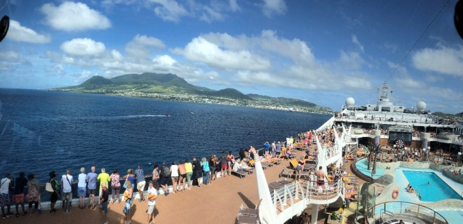 St. Kitts si Nevis - ship view