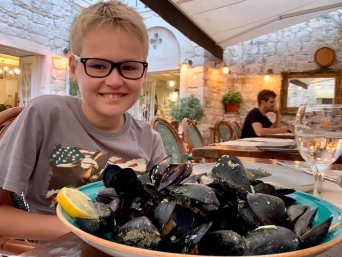 trogir - mussels