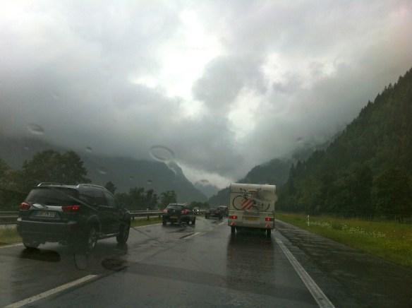 Traffico e pioggia da passo San Gottardo a Basilea