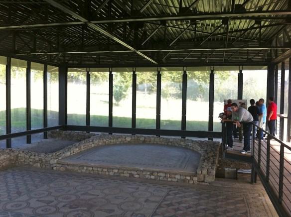 La stradina che porta alla Villa Romana di Malvaccaro
