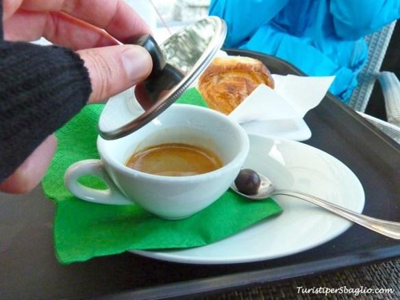Una pausa caffè in Piazza Vittorio Veneto