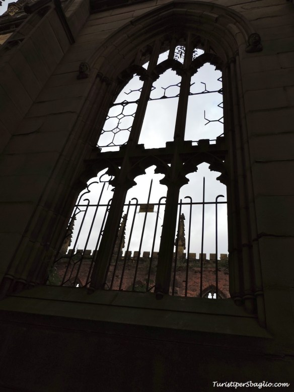 St Luke Church & Gardens - Liverpool - 0009_new