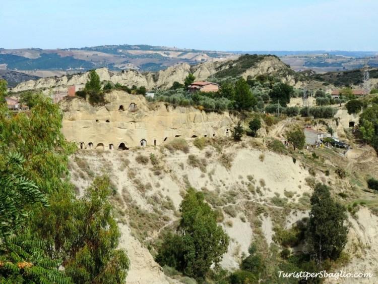 Aliano - Calanchi e cantine