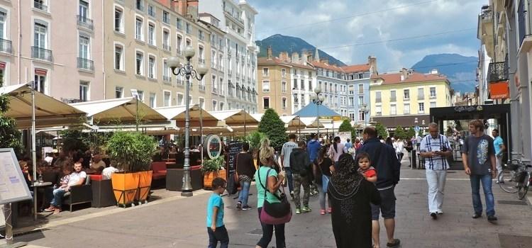 9 Cose da Fare a Grenoble col Naso per Aria…
