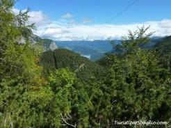 Hiking on Lake Bohinj Slovenia - 29_new
