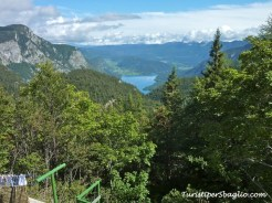 Hiking on Lake Bohinj Slovenia - 32_new