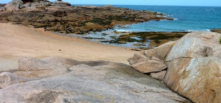 Bretagna dei misteri e profumi, un viaggio on the road fino alla Costa di Granito Rosa