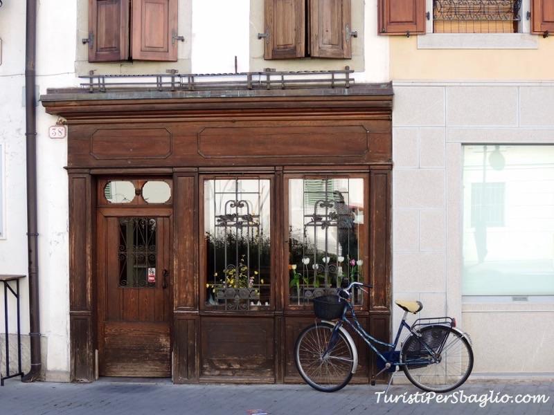 Udine fare shopping in centro, qualche indirizzo speciale da segnare in agenda