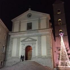 La città delle scale, persino per l'entrata al Duomo :)