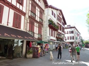 ... e si ricomincia, centro storico di St Jean