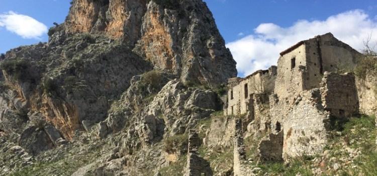 San Severino di Centola, un Borgo Fantasma nel Cilento