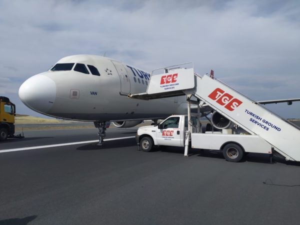 THY uçağı Istanbul'da tehlike atlattı