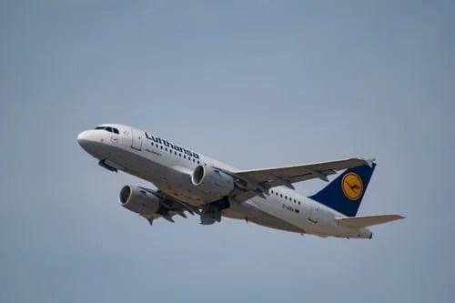 Lufthansa'nın 3 aylık zararı 1,2 Milyar Euro