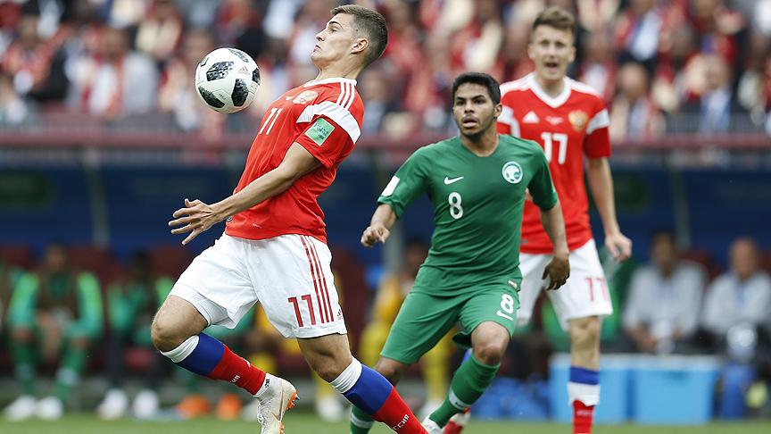 Ev sahibi Rusya Kupa'ya galibiyetle başladı