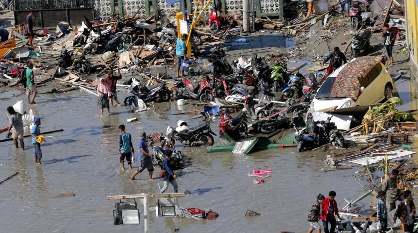 Endonezya'daki depremde ölenlerin sayısı 832'ye yükseldi