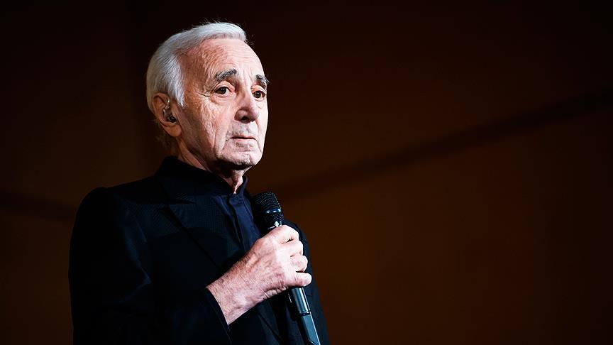 Şarkıcı Aznavour hayatını kaybetti