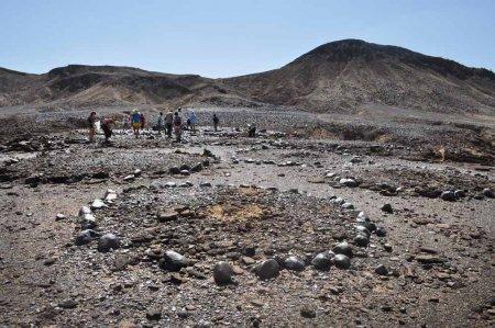 Burial sites above Galana Boi deposits at Lothagam.