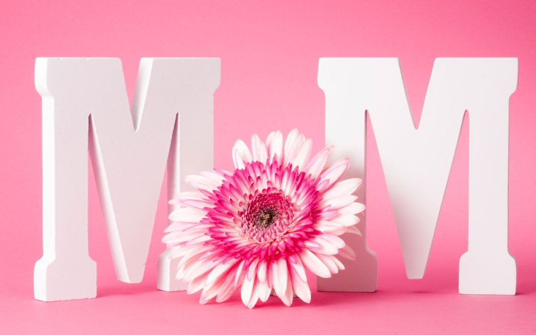 Pamper Mom this Mother's Day with Aesthetic Treatment Packages!