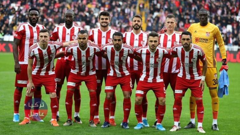 فريق تركي لكرة القدم يتحول لفريق أشباح في إسطنبول (شاهد)