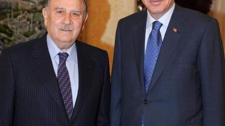 وفاة رئيس الوزراء التركي الأسبق يلدريم أكبولوت.. من هو يلدريم أكبولوت؟!