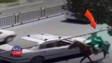 يعتلي حصانه بلباس أخضر وسيف بيده .. المهـ ـدي المنتظر يظهر في إيران (فيديو)