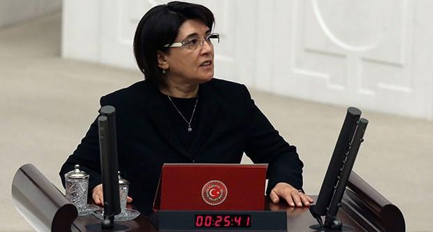 leyla zana, oath, Parliament, Kurdish politician