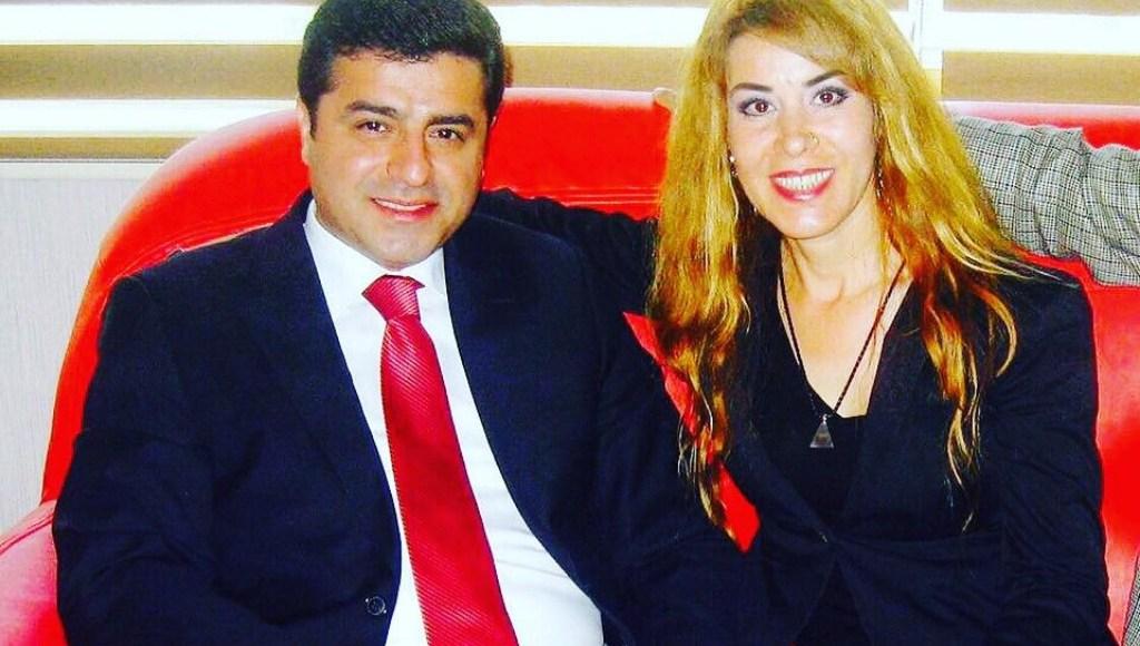 Singer Saide Inac (R) sitting next to HDP chairman Selahattin Demirtas.