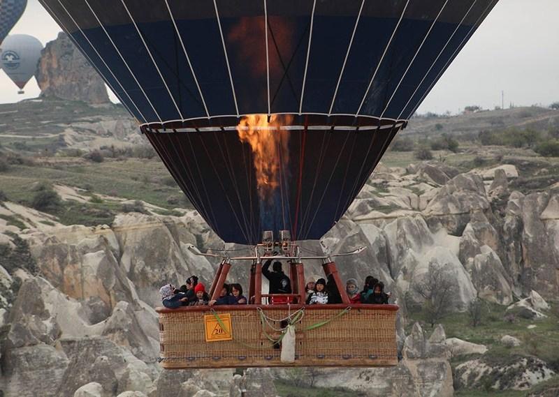 Hot air balloon tour in cappadocia