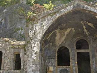 Kızlar luostari