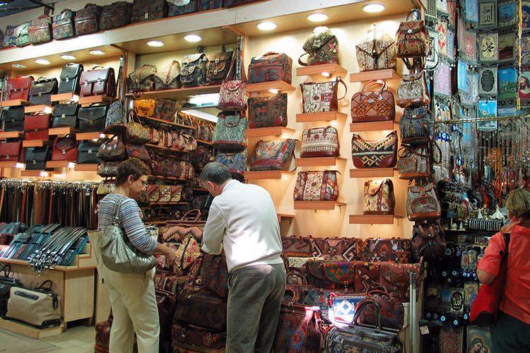 صناعة الحقائب النسائية في تركيا