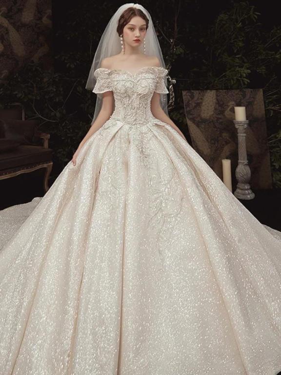 فساتين زفاف بالجمله