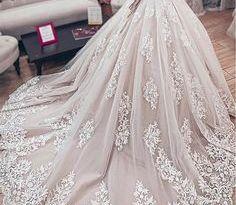 مصنع فساتين زفاف