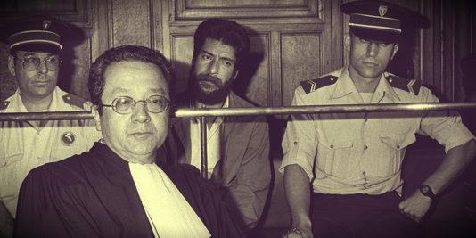 Jacques Vergès en 1986 lors du procès d'Ibrahim Abdallah