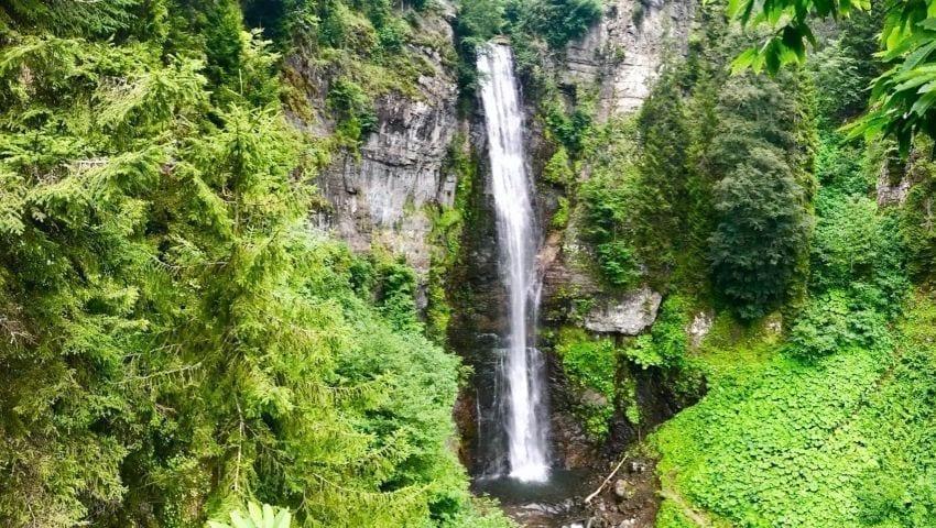 Il turismo delle cascate di Burka Maral ad Artwin
