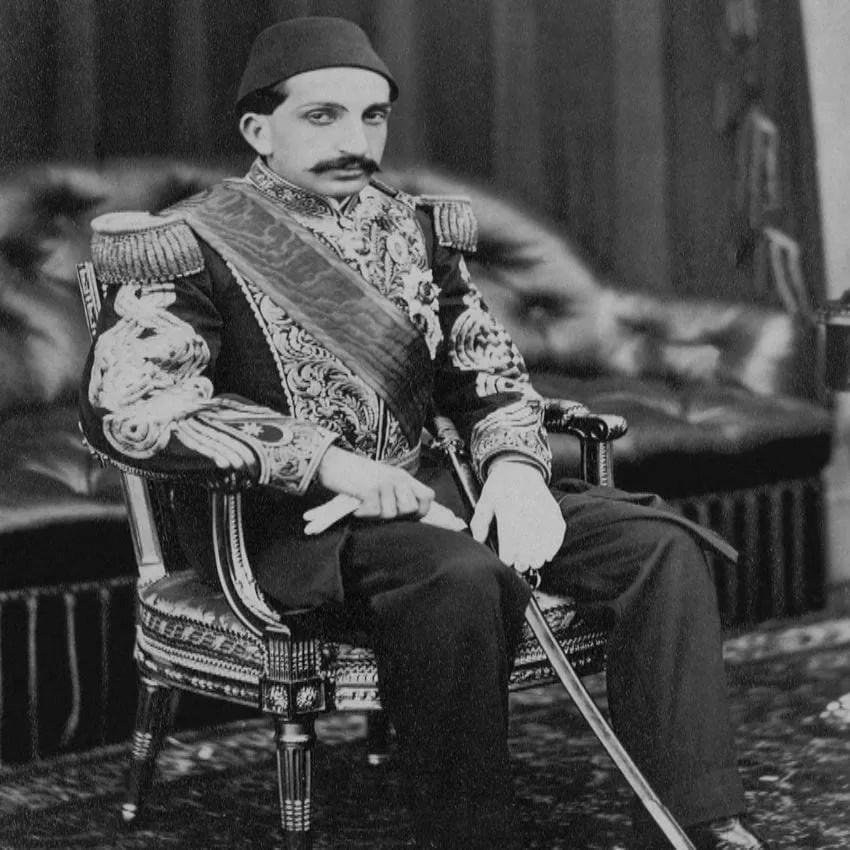 السلطان عبد الحميد الثاني في شبابه