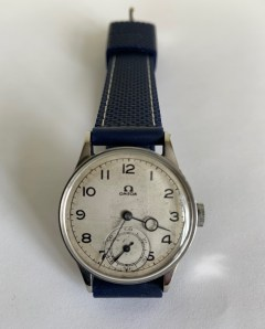A vintage Omega Gents WristWatch (C.1935) with later Strap -GWO