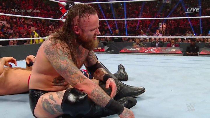 Aleister Black vence a Cesaro en Extreme Rules