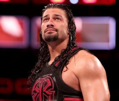 Roman Reigns anuncia que sufrió una lesión en Hell in a Cell
