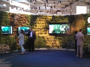 Turnkey-Event-Planning-Living-Wall-16