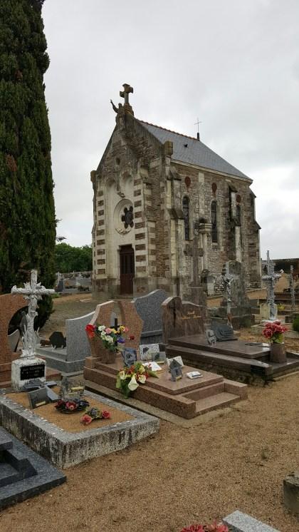 Cemetery en-route to Cap Ferret