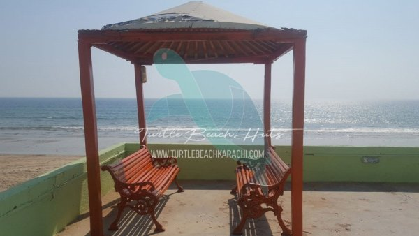 AFFORDABLE BEACH HUT TB9