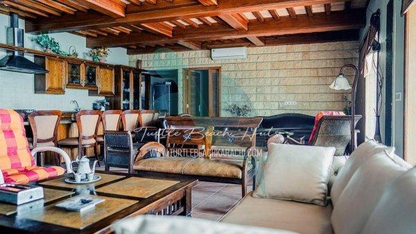 Airconditioned & Luxury Beach Hut