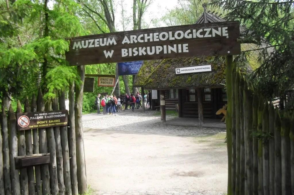 muzeum-archeologiczne-w-biskupinie