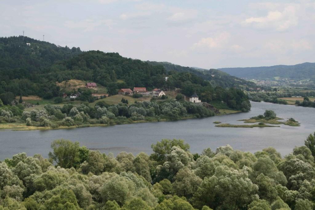 Atrakcje nad Jeziorem Czchowskim